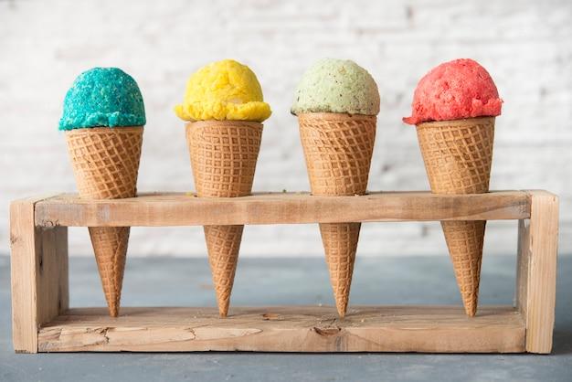 Crème glacée de différents fruits