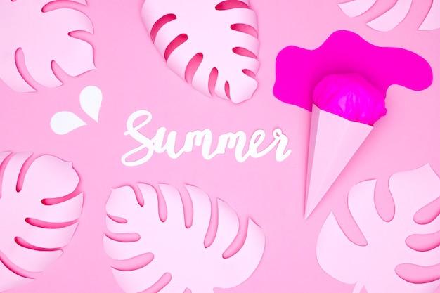 Crème glacée et feuilles en papier