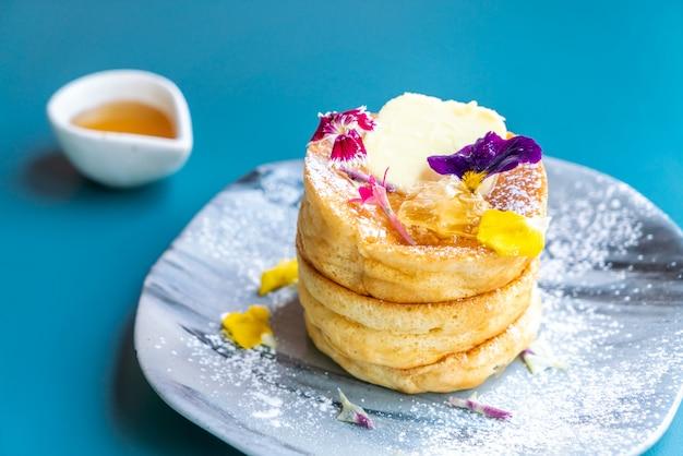 Crêpe au miel et au beurre