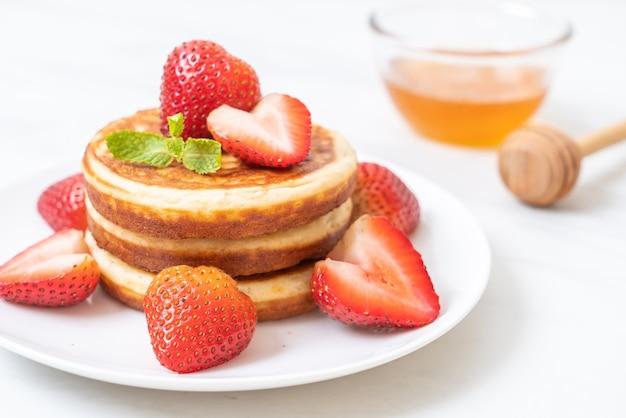 Crêpe aux fraises fraîches