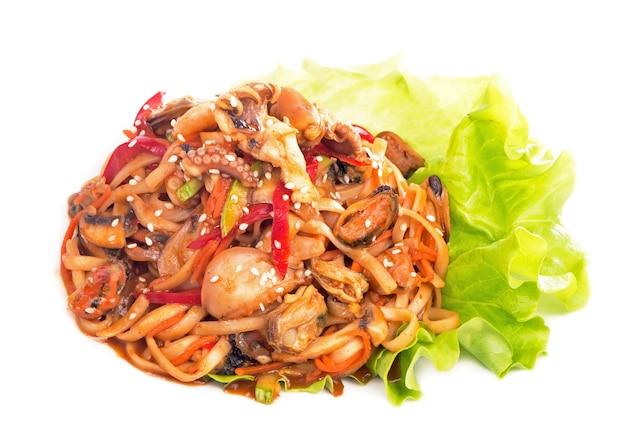 La crêpe aux nouilles de riz aux crevettes, aux légumes
