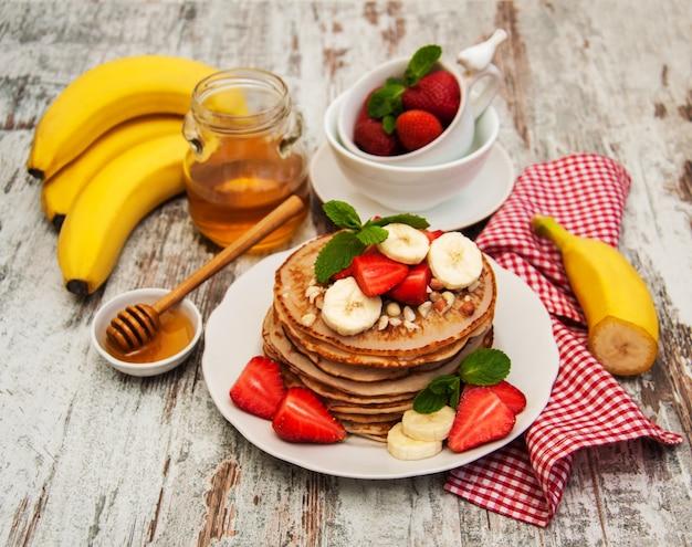 Crêpes aux fraises et bananes