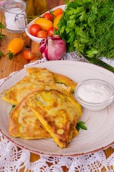 Crêpes russes et ukrainiennes traditionnelles (viande).