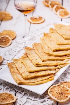 Crêpes suzette, dessert français