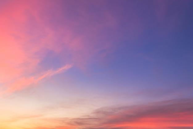 Crépuscule ciel le soir au crépuscule