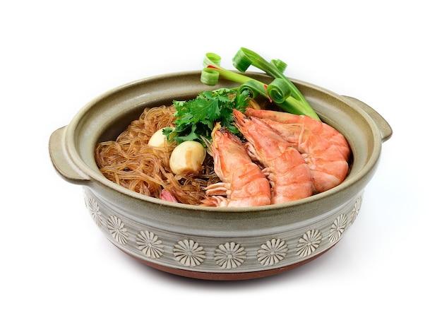 Crevettes en cocotte avec nouilles en verre ou crevettes en pot avec nouilles vermicelles