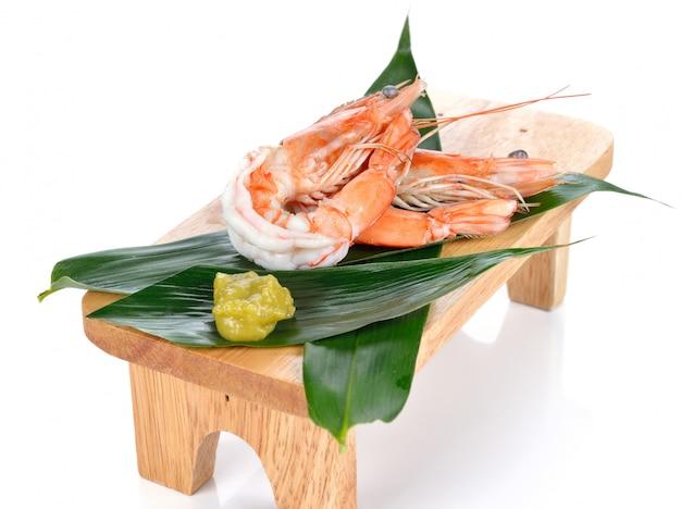 Crevettes. crevettes isolées. fruit de mer