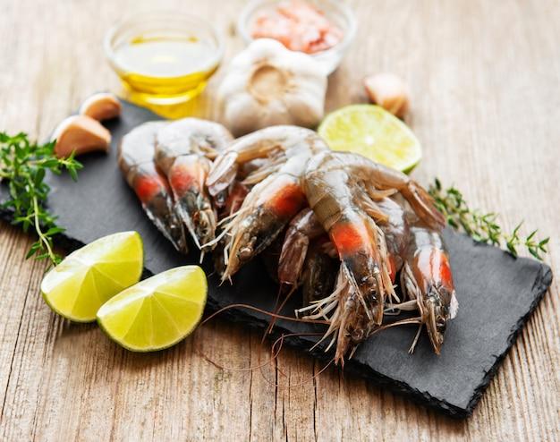 Crevettes crues fraîches