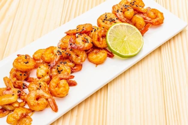 Crevettes frites biologiques fraîches (crevettes)