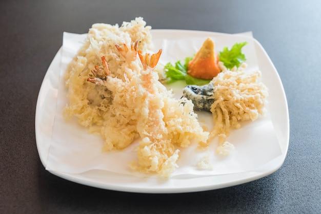 Crevettes frites (tempura)