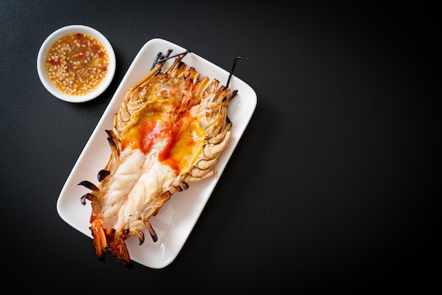 Crevettes géantes fraîches grillées