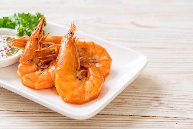 Crevettes salées cuites au four