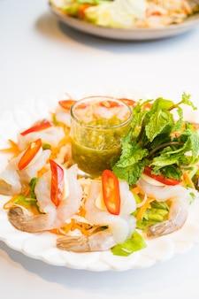 Crevettes à la sauce de poisson