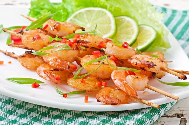 Crevettes sautées à l'ail et au caramel de soja