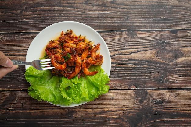 Crevettes sautées avec pâte de chili