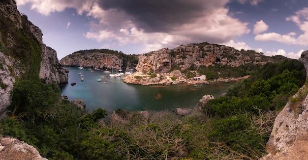 Crique de l'île de minorque, en espagne.