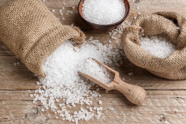 Cristaux de sel de mer naturels pour traitements spa