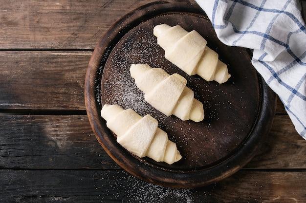 Croissant cru non cuit
