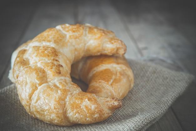 Croissants frais au four