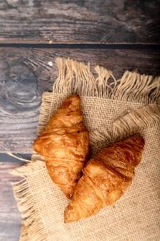 Croissants sur le sac