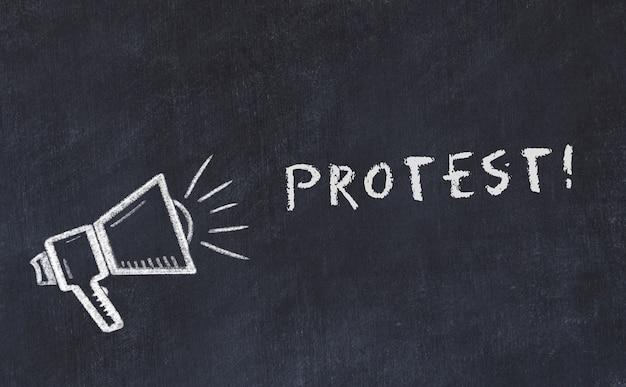Croquis de tableau craie avec protestation de haut-parleur et de phrase