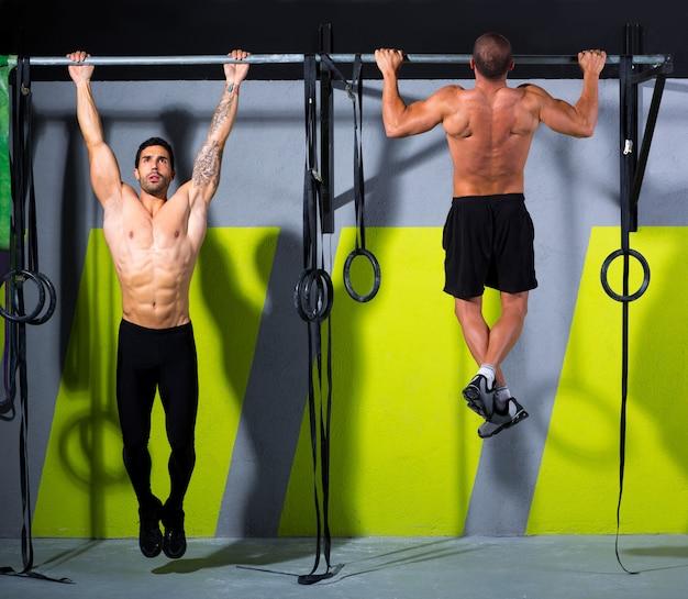 Crossfit toes to bar men pull-ups 2 barres d'entraînement
