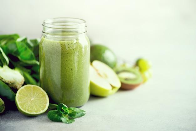 Cru, végétalien, végétarien, désintoxication, nourriture alcaline