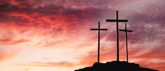 Crucifixion de jésus-christ au lever du soleil