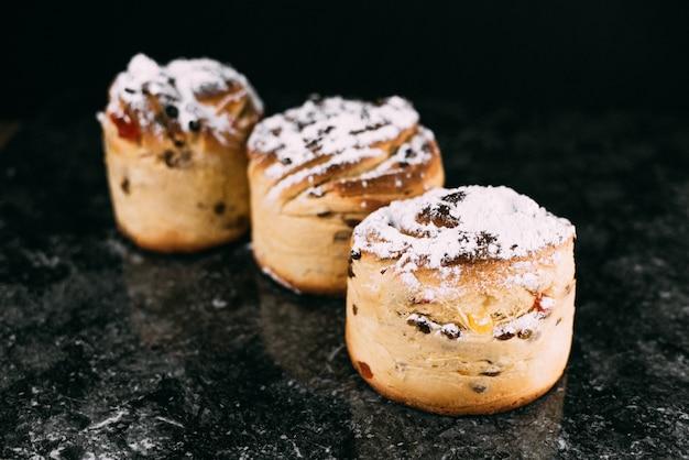 Cruffins, la tendance de la pâtisserie moderne de l'année est le macareux, un mélange de croissants et de cupcakes.