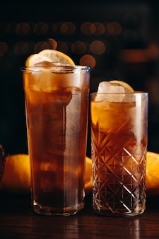 Cuba libre long island ou cocktail de thé glacé au citron