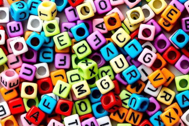 Cube de l'alphabet anglais en arrière-plan