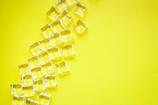 Cubes de glace pièces acryliques artificielles