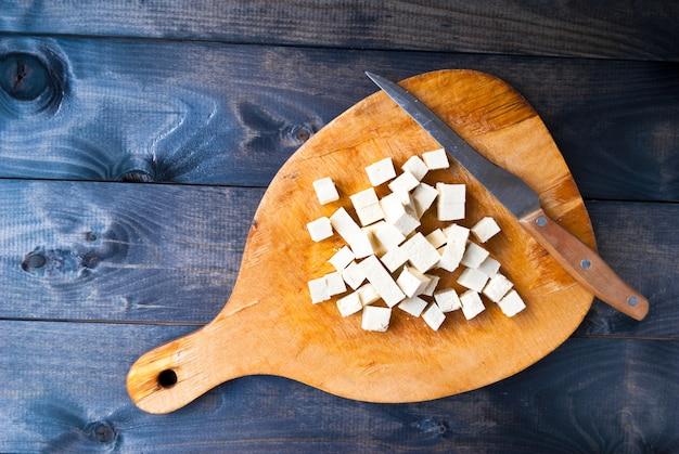 Cubes de tofu brut