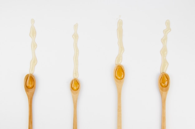 Cuillères à soupe de miel