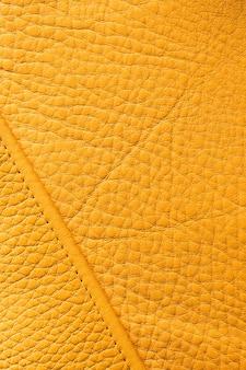 Cuir jaune de qualité gros plan