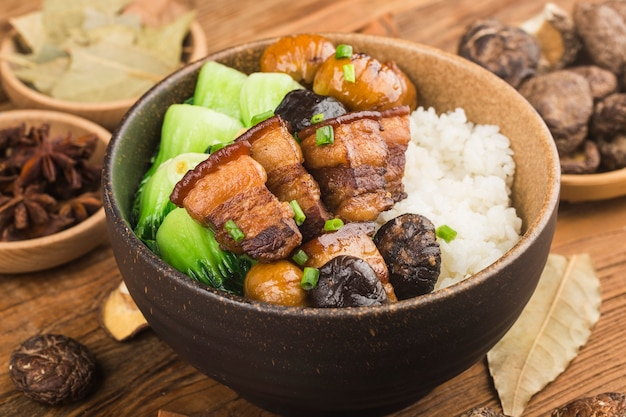 Cuisine chinoise, riz au porc braisé