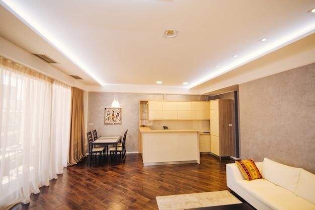 La cuisine dans l'appartement la conception de la salle de cuisine