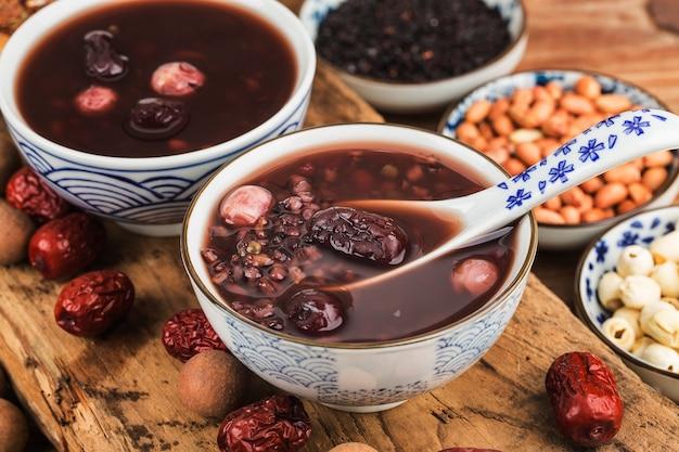 Cuisine du nord chinoise, bouillie de laba, bouillie de huit trésors