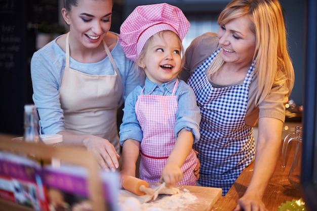 Cuisine en famille ensemble