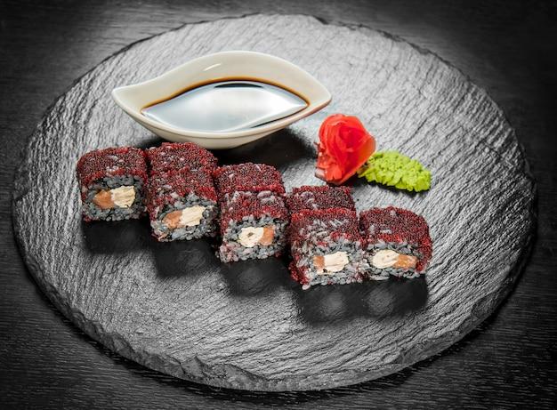 Cuisine japonaise avec fruits de mer frais