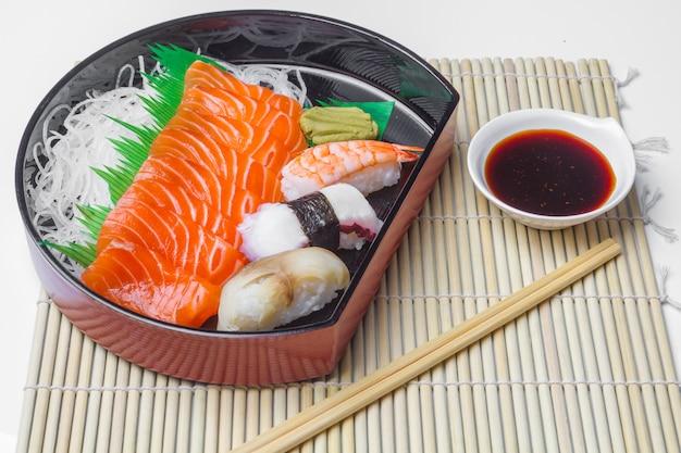 Cuisine japonaise, saumon sushi