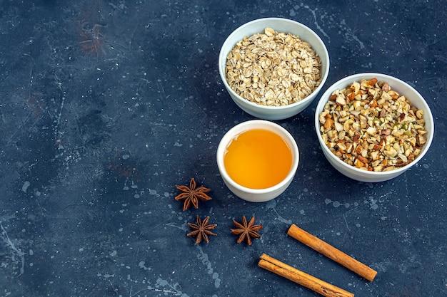 Cuisine maison collation végétarienne saine granola, muesli