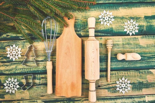 La cuisine de noël ou la cuisson des aliments avec des ustensiles de cuisine