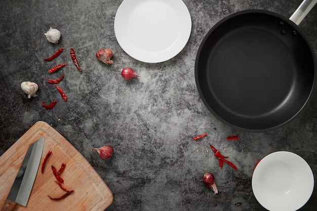 La cuisine des plats vides et casserole