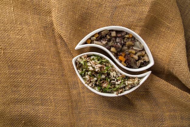 Cuisine traditionnelle brésilienne appelée feijao de capataz e arroz de carreteiro