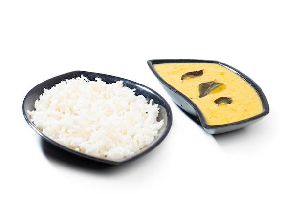 Cuisine traditionnelle indienne kadhi chawal