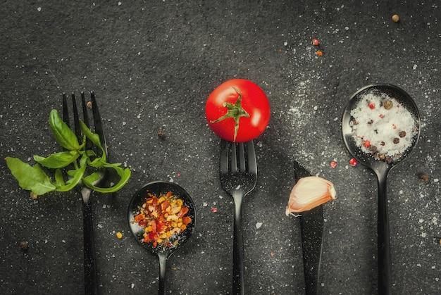 Cuisiner avec des couverts