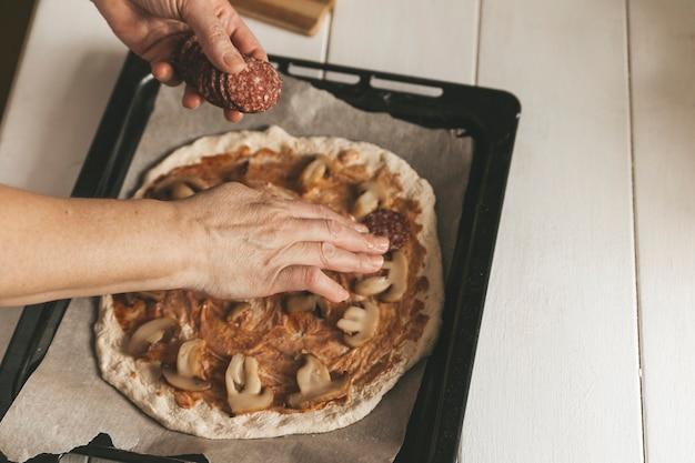 Cuisiner des pizzas à la maison