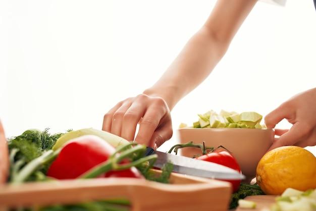 Cuisson des aliments cuisine saine manger des légumes frais