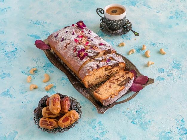 Cupcake dessert aux dattes et noix